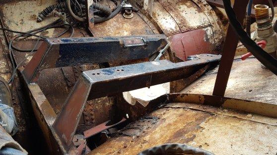 De oude pilaren verwijderd